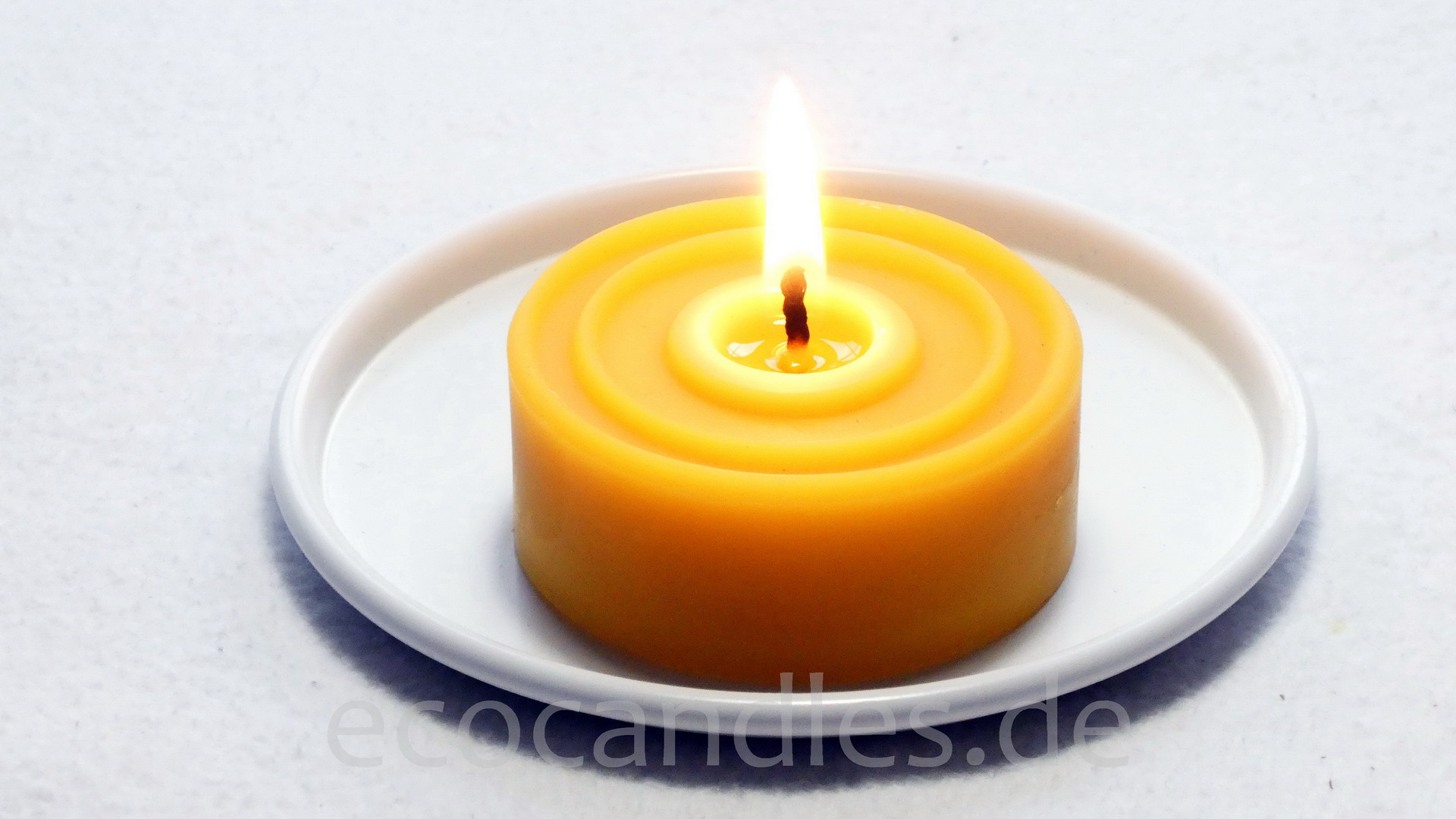Beeswax-Tea-candle maxi without alu-shell