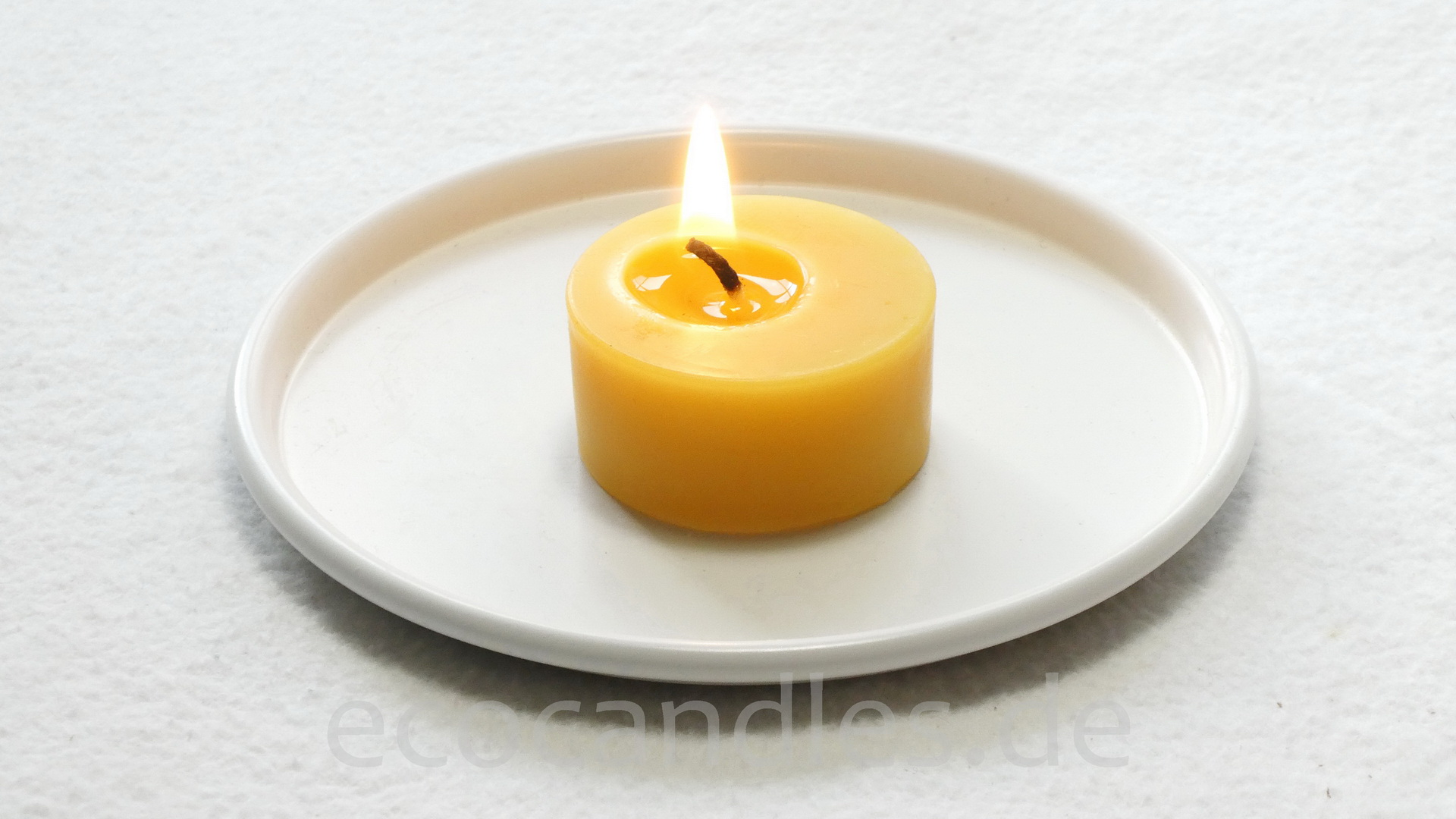 Beeswax-Tea-candle small without alu-shell